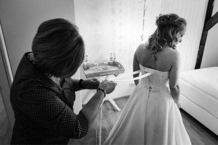 Getting ready – Hochzeitsreportage auf der Marienburg inMonheim