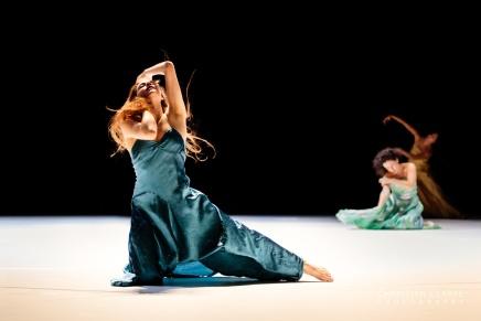 """""""…como el musguito en la piedra, ay si, si, si…"""" (Wie das Moos auf dem Stein)-Tanztheater Wuppertal"""