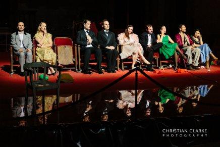Premiere Tanztheater Wuppertal – Er nimmt sie an dieHand…..